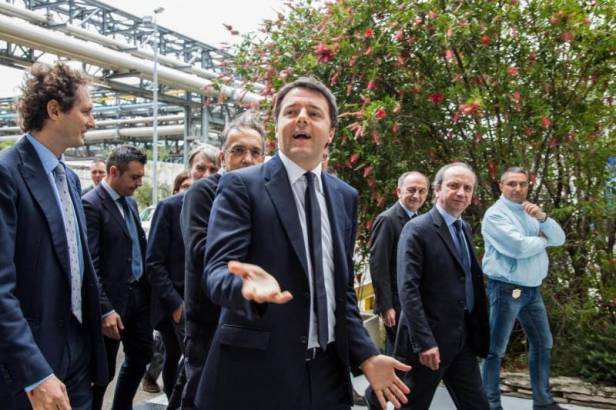 renzi-delrio-con-marchionne-elkann-672838.jpg