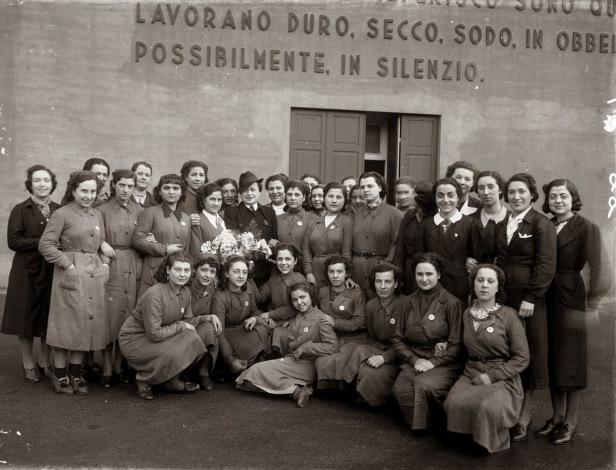 Lavoratrici-nello-Stabilimento-Metallurgico-Delta-di-Genova-Cornigliano---1937---nn.jpg